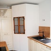 Küche urig Schrank mit Fenster