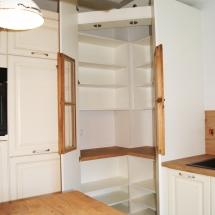 Küche urig Schrank offen