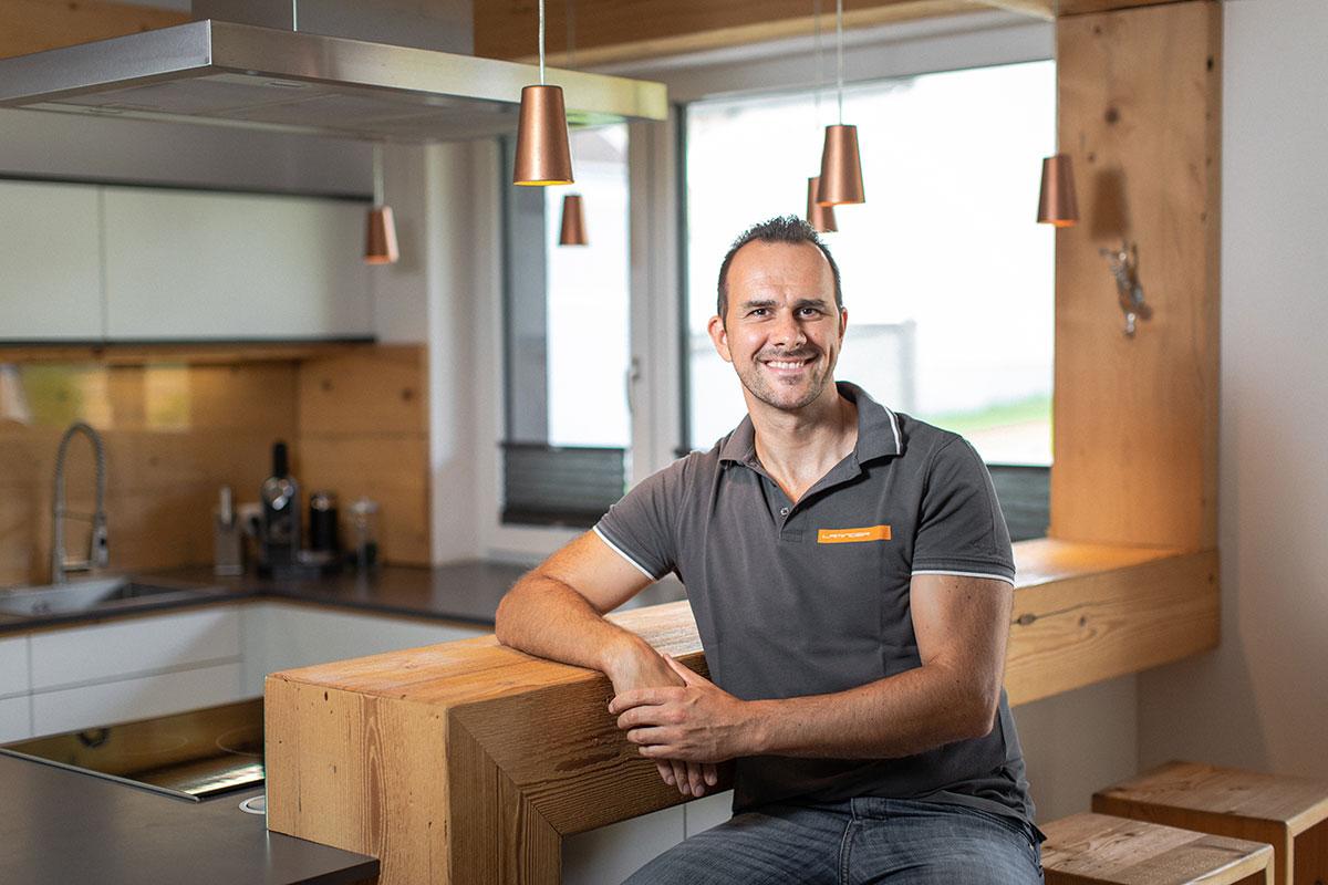 Michael Laminger in einer seiner Küchen.