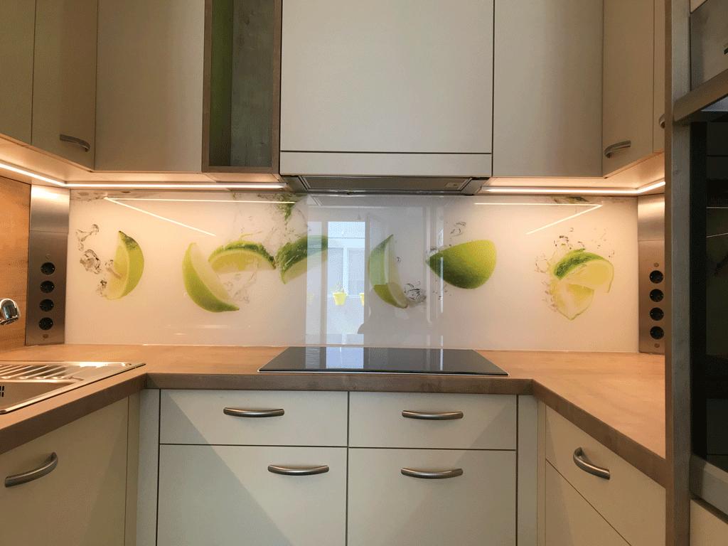 Kleine Tischlerküche in U-Form
